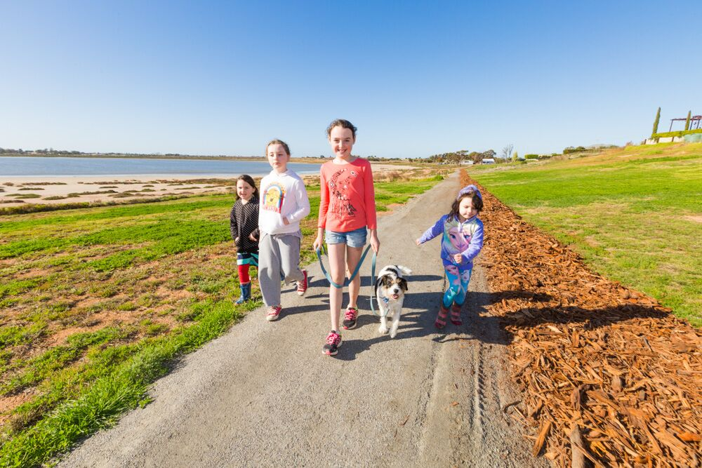 Lake Hawthorn is the perfect place for a family day out