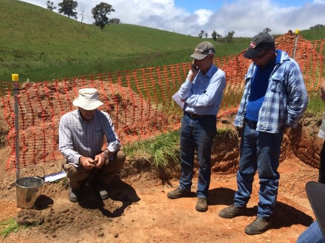 Visual Soil Assessment and soil profile investigation workshop. Photo: East Gippsland Landcare Network Inc.